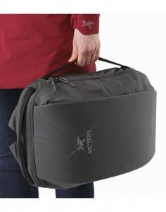 Blade-20-Backpack-Pilot-Side-Carry-Handles